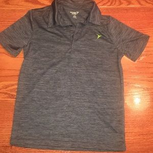 Active Go-Dry Shirt with a collar